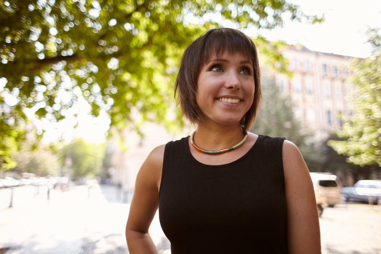 """Interview mit Gina Schöler: """"Das kleine Glück möchte abgeholt werden"""""""