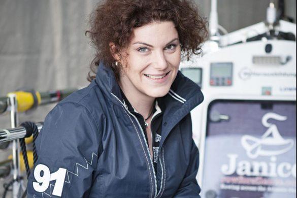 """Interview mit Janice Jakait: """"Freut euch nicht zu spät: Warum das zweite Leben beginnt, wenn man begreift, dass man nur eines hat"""""""