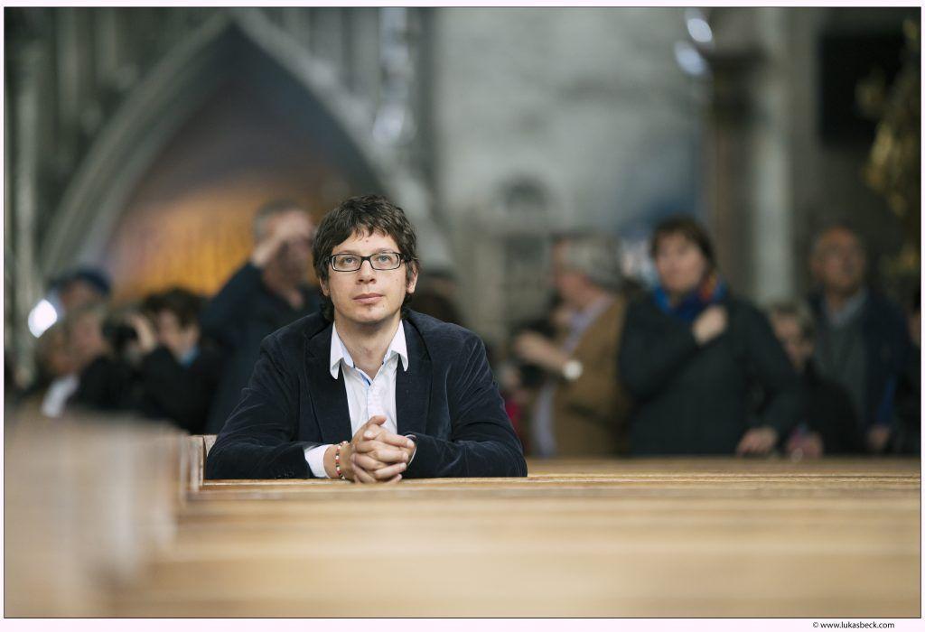 """Christentum Interview mit Christian Schwab: """"Oh mein Gott – Ungewöhnlicher Selbstversuch: 5 Weltreligionen in 5 Monaten"""""""