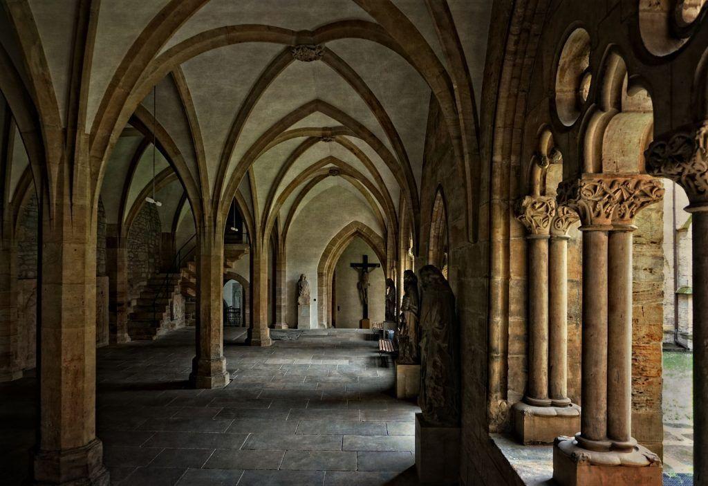 """Kloster, Klassiker: """"Narziß und Goldmund"""" von Hermann Hesse"""