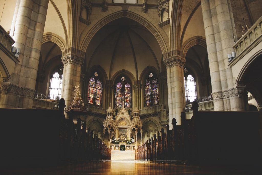 """Kirche, Klassiker: """"Narziß und Goldmund"""" von Hermann Hesse"""