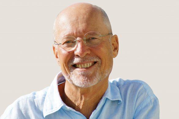 """Interview mit Dr. Ruediger Dahlke: """"Körper-Geist-Seele-Detox: Wie wir uns rundum von Ballast befreien und neue Energie schöpfen"""""""