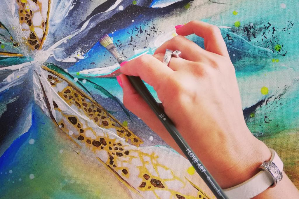 Halina, Schirmer, malt Bild, Hand