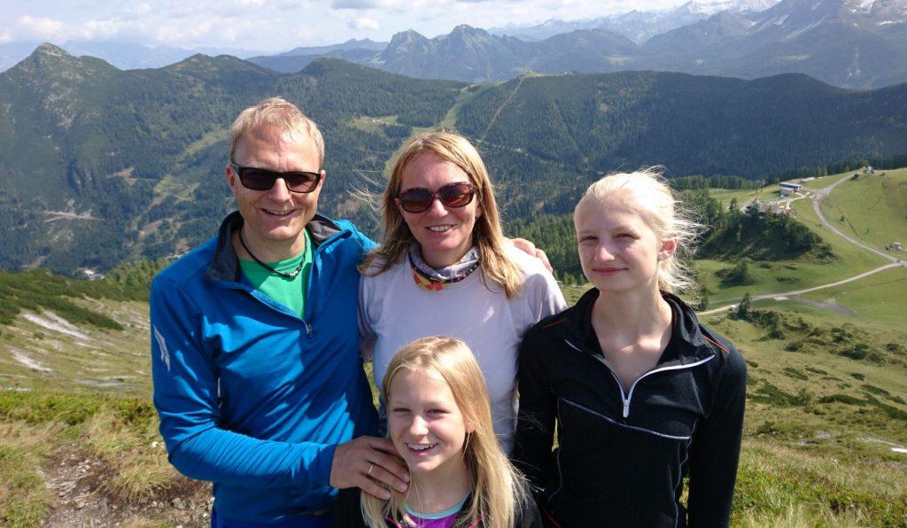 Familie Schulz beim Wandern in Österreich