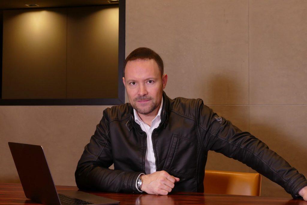 Leo Martin, Sprachprofiler